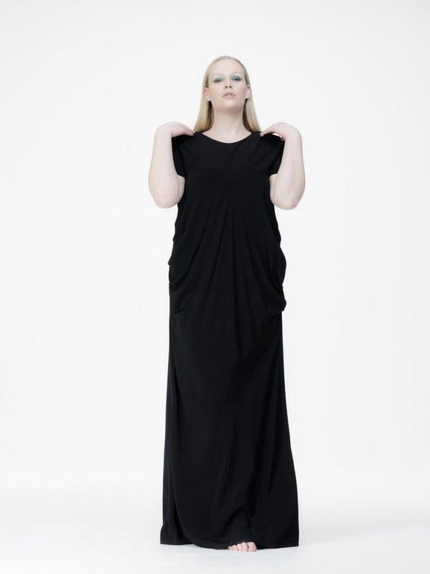 платья полным женщинам: черное макси