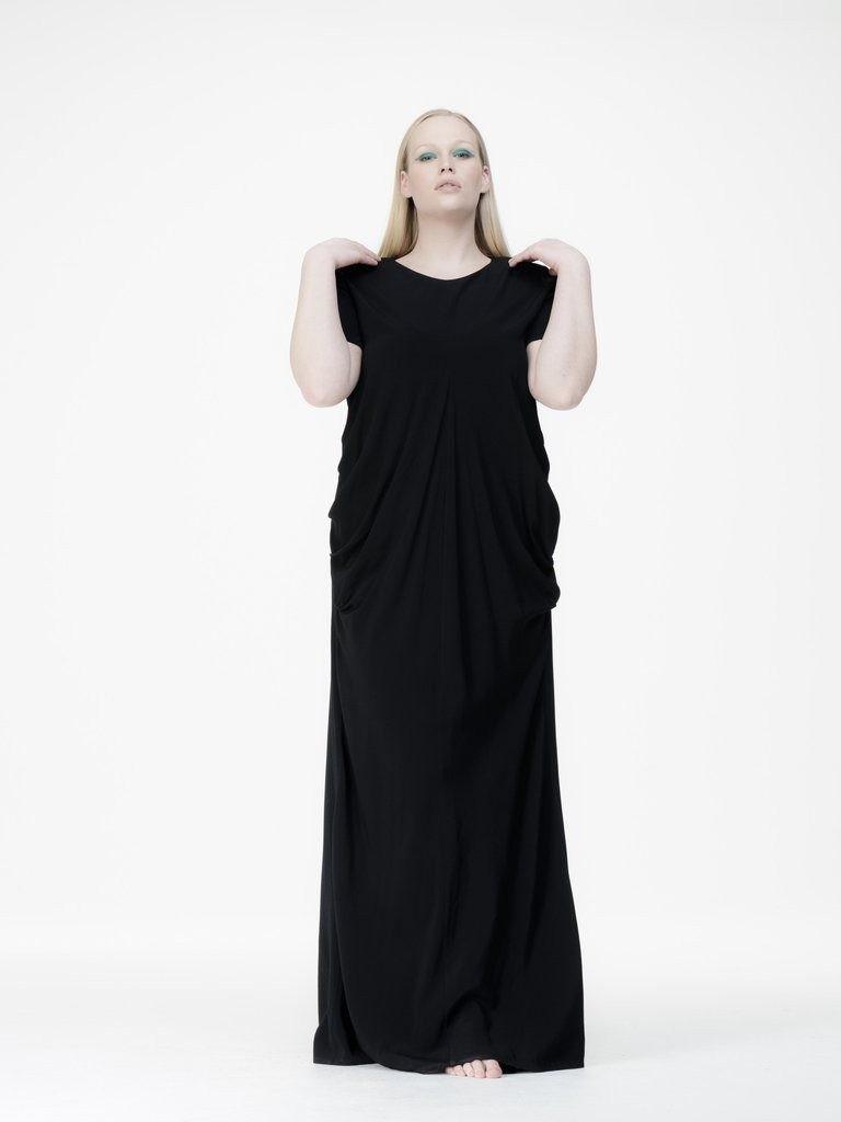 черное платье для полных макси