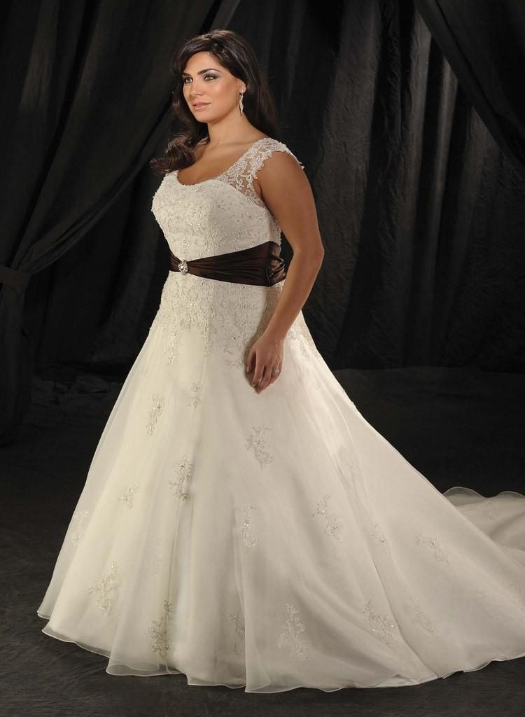 свадебное платье для полных с шлейфом