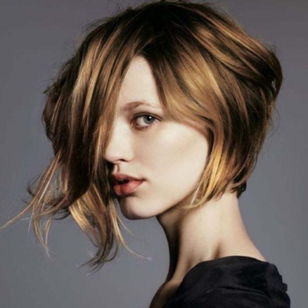 Шатуш на волос средней длины