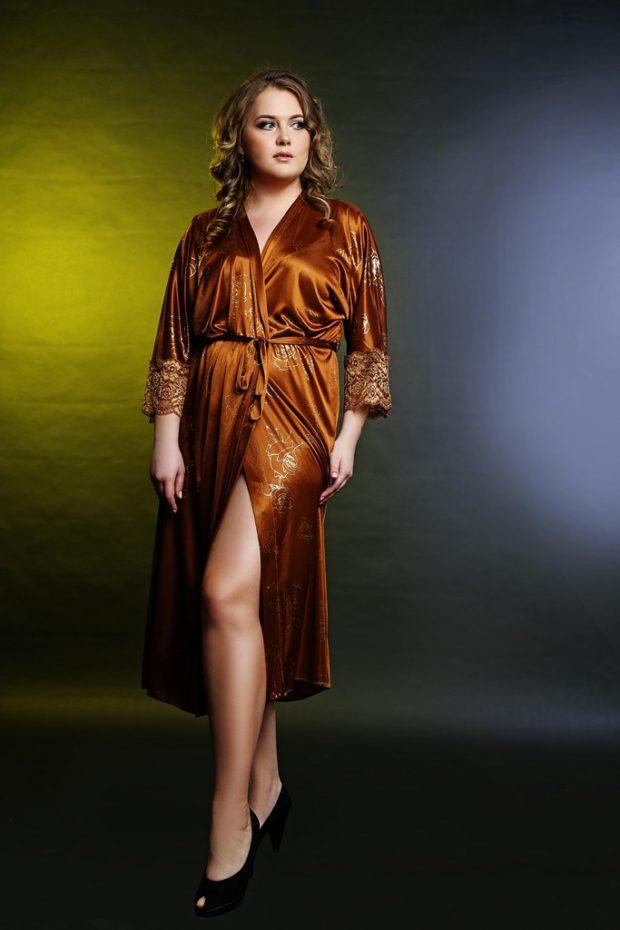 коричневый шолковый халат