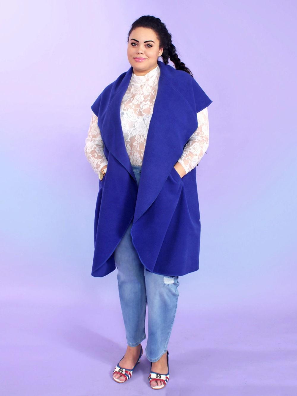 синяя жилетка с карманами удлиненная