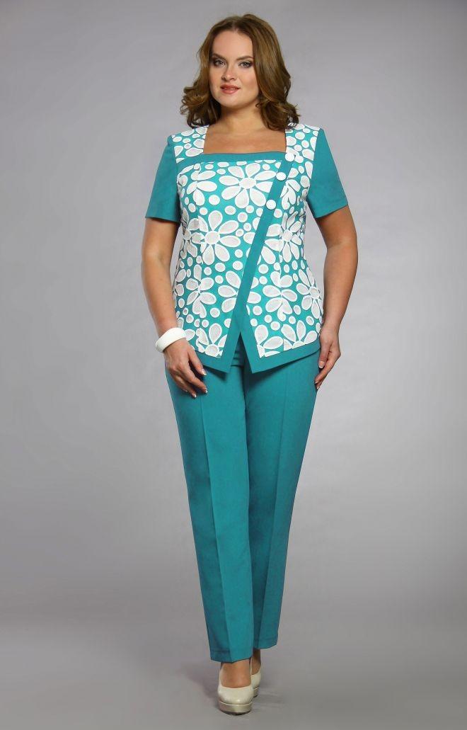 бирюзовые брюки блузка в тон с цветками
