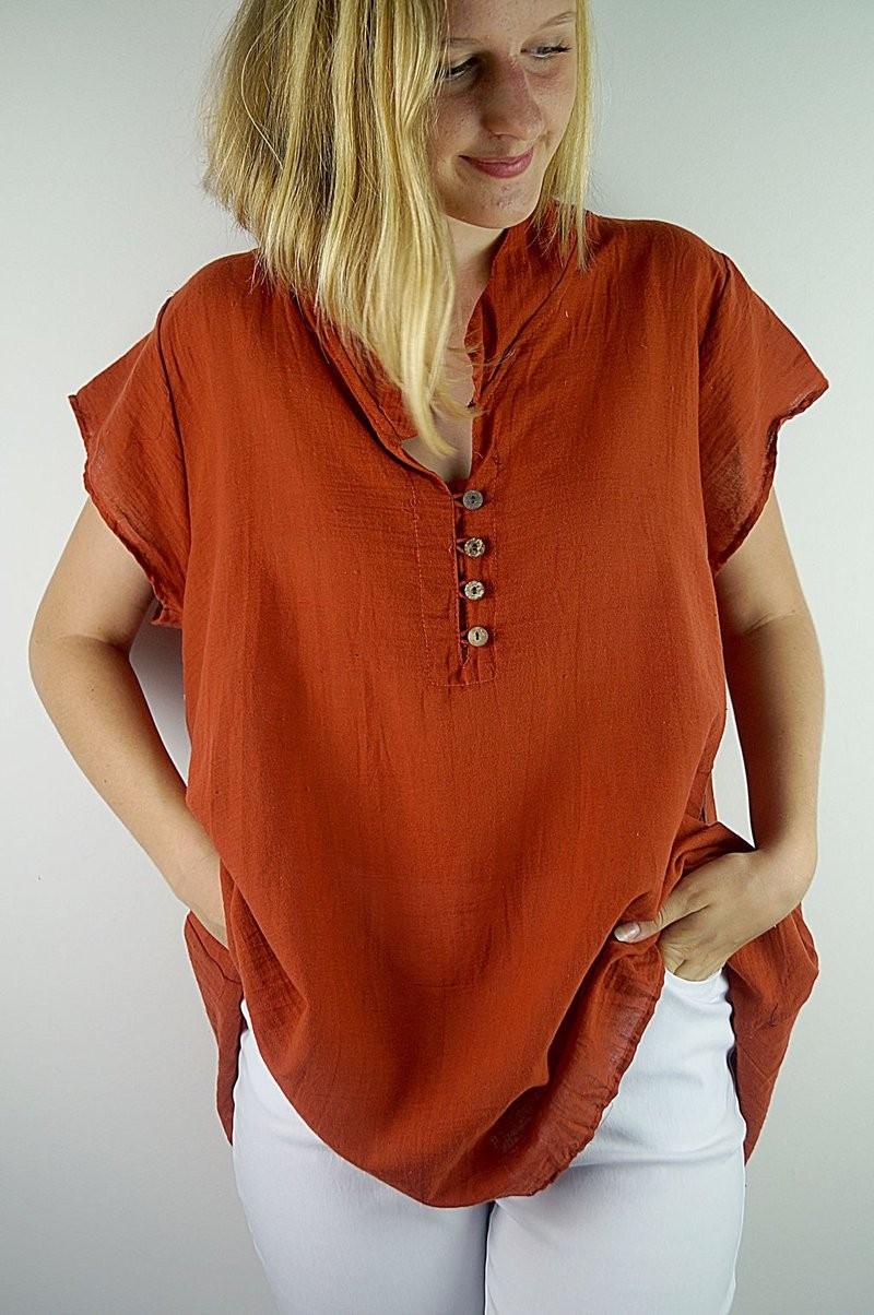 туника оранжевая с коротким рукавом под белые штаны