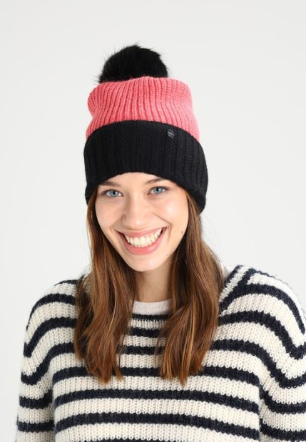 шапки вязаные женские зима 2018 2019: черно-розовая