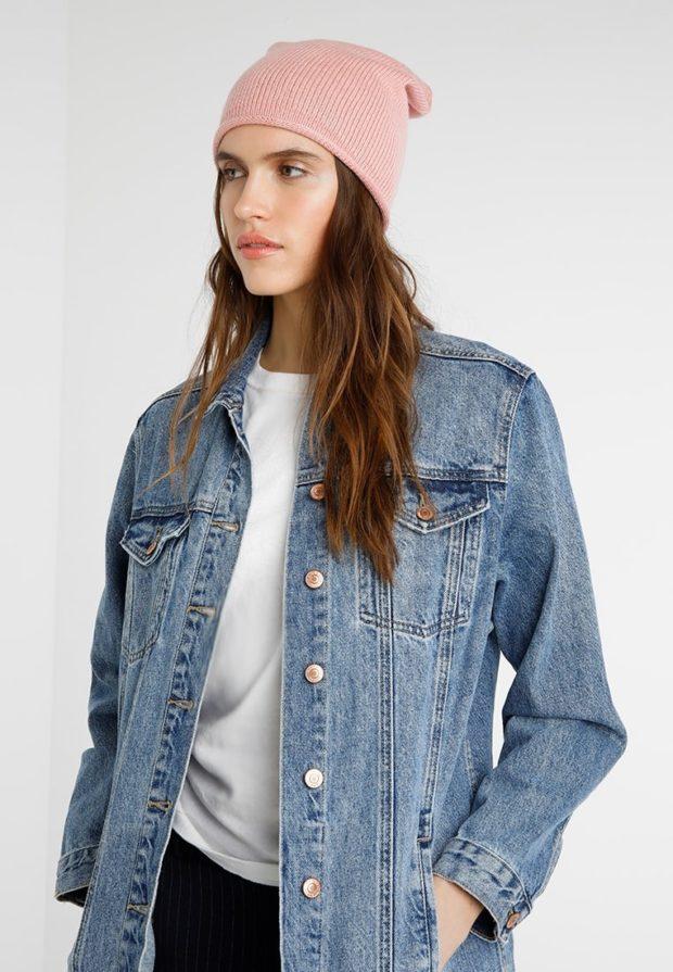 модные вязаные шапки осень-зима 2019-2020: розовая