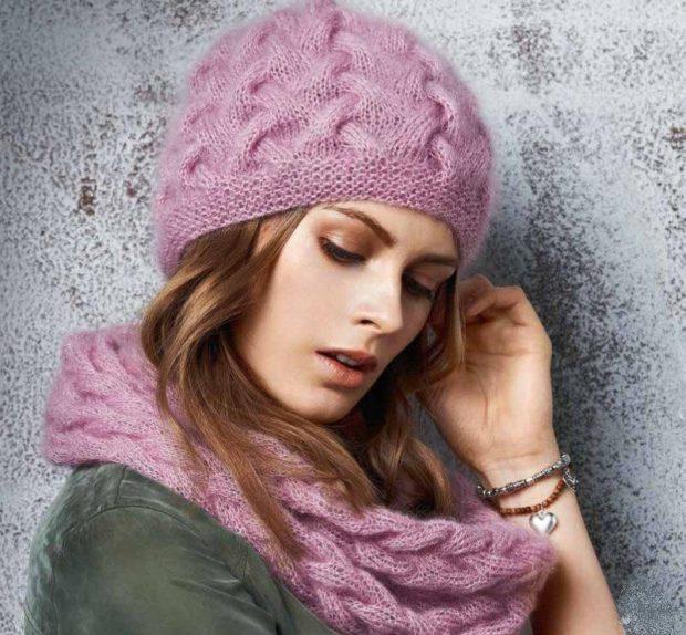 женская вязаная шапка: снуд розовый
