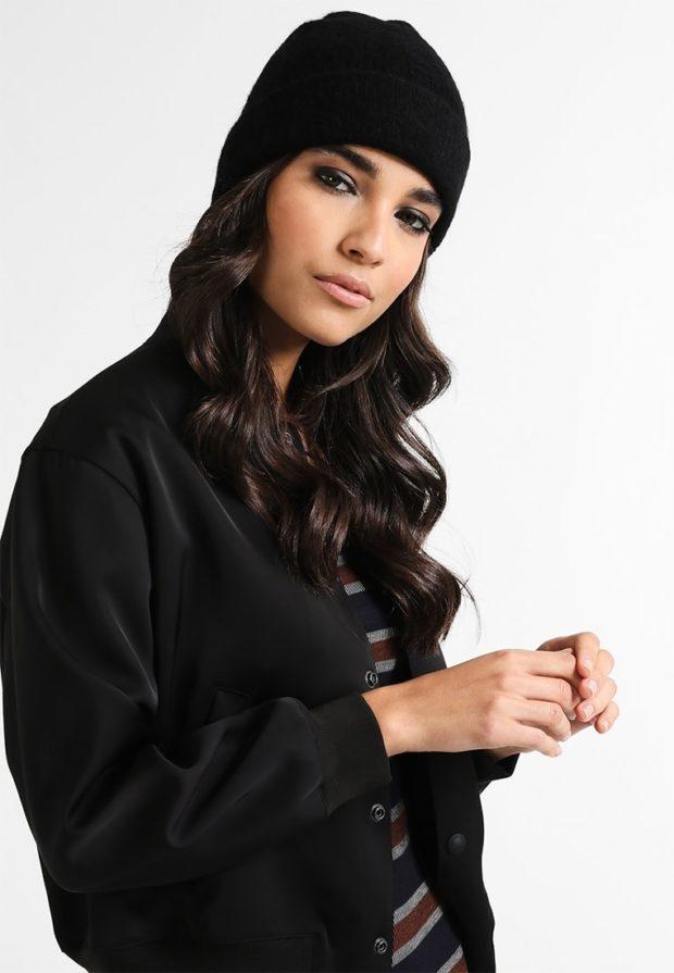 модные вязаные шапки осень-зима 2019-2020: черная