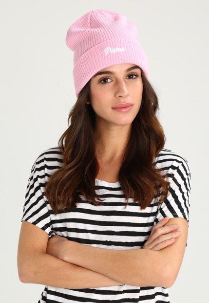 вязаные шапки 2018 2019 женские: бини с белой надписью Puma