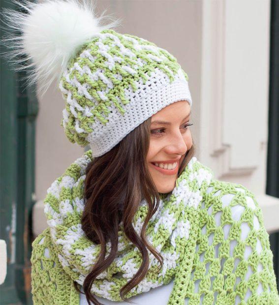 модные вязаные шапки 2018: комплект зеленый