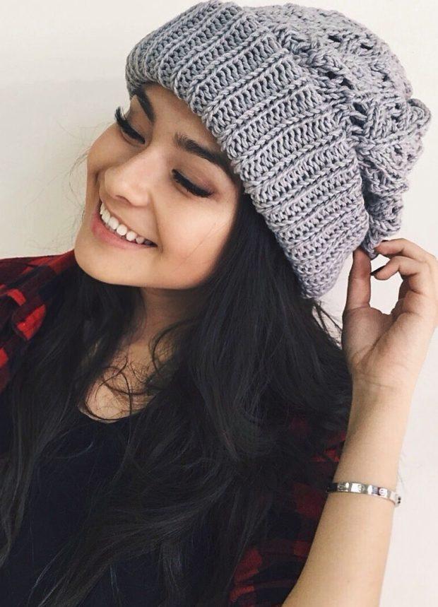 женские шапки вязаные: объемная серая