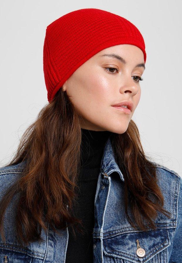 женские шапки вязаные: из Италии красная