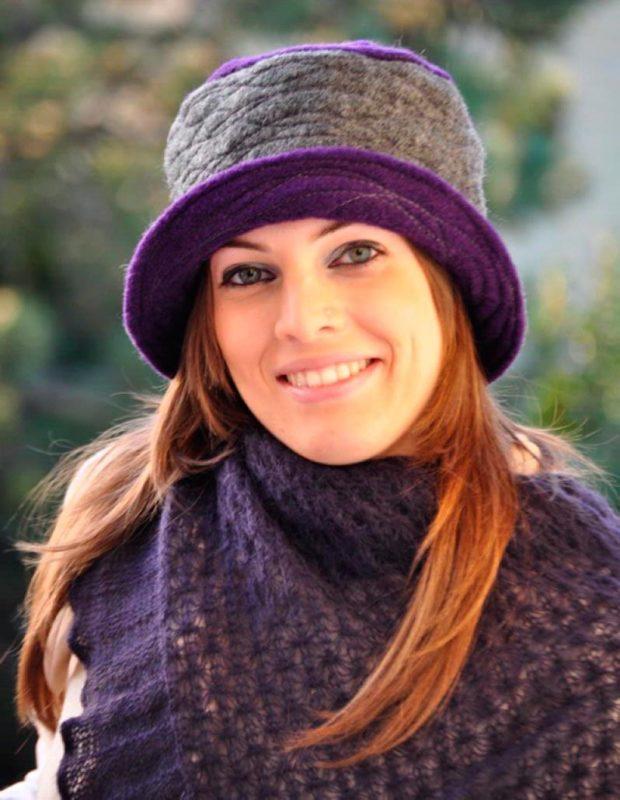 женские шапки вязаные: для женщин 50 лет в форме шляпки