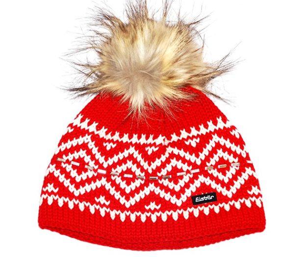 модные вязаные шапки: красная с рисунками помпон мех