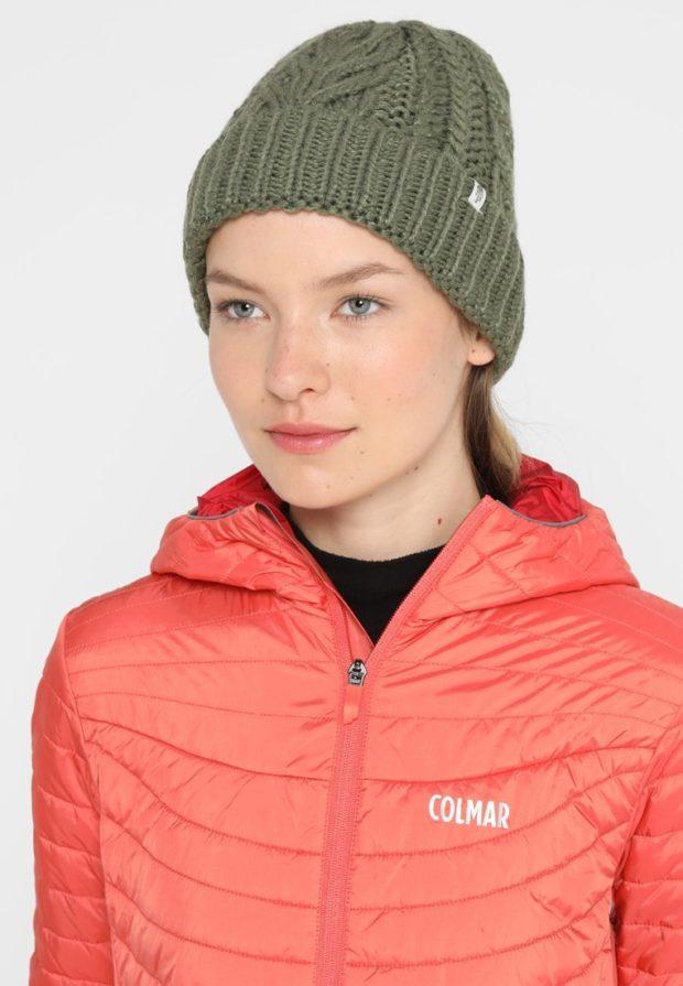 модные вязаные шапки осень-зима 2019-2020: зеленая