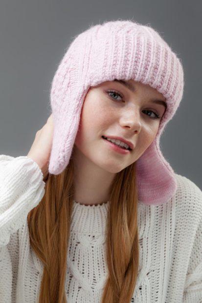 шапки вязаные женские осень зима 2018 2019: ушанка розовая