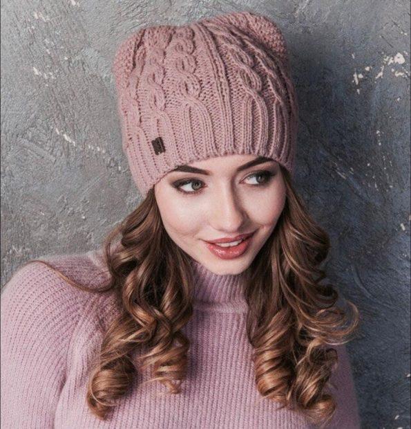 шапки вязаные женские осень зима 2018 2019: с ушками бежевая