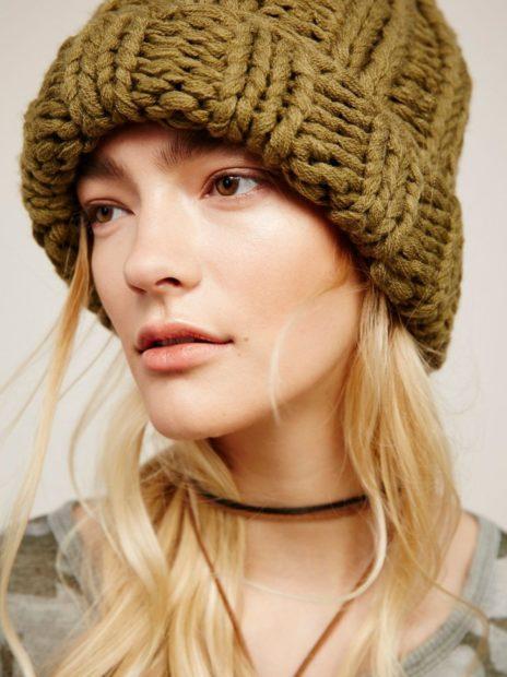 шапки вязаные женские осень зима 2018 2019: из толстой пряжи болотный цвет