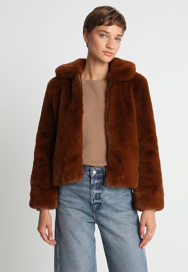 Женская короткая зимняя куртка 2019-2020