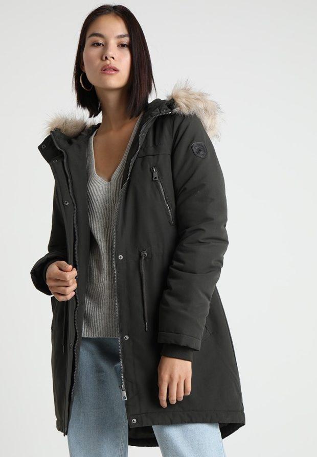 Женская парка с мехом зимняя куртка 2019-2020