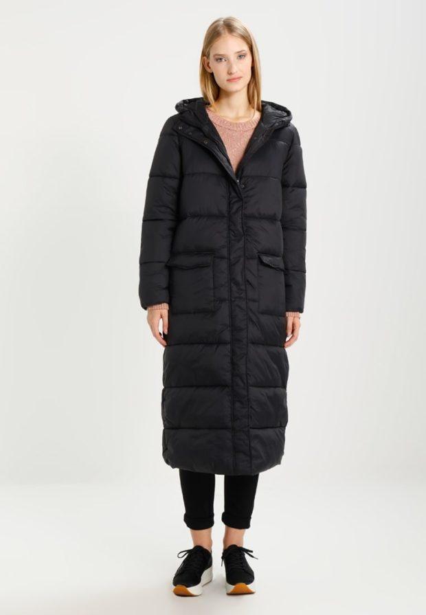 Женская зимняя куртка спортивная