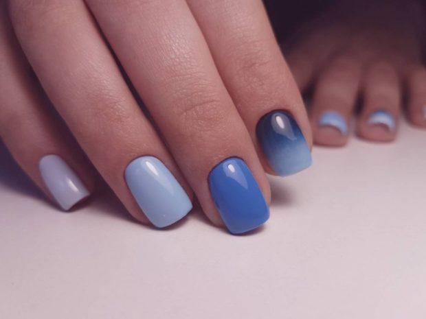 Маникюр с гель-лаком голубой
