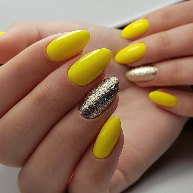 Маникюр желтого цвета