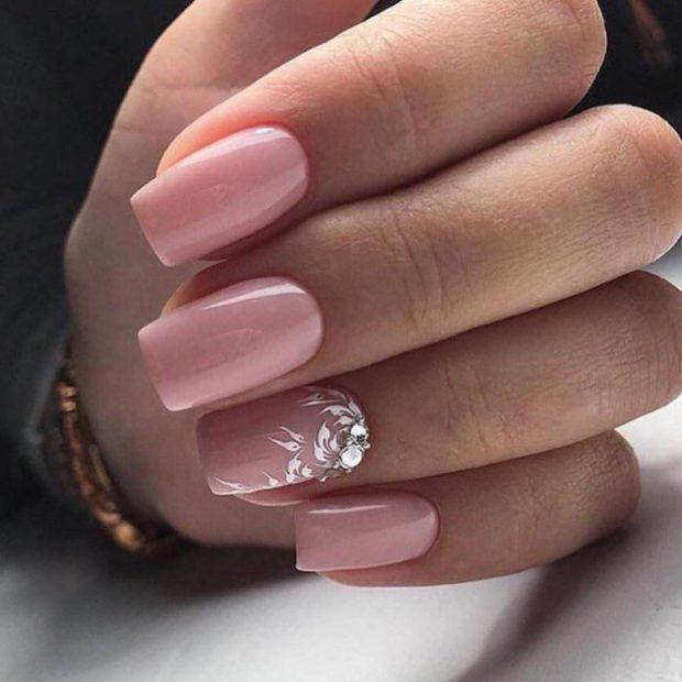 На квадратные ногти