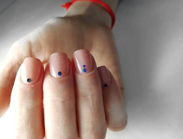 нежный маникюр: на короткие ногти